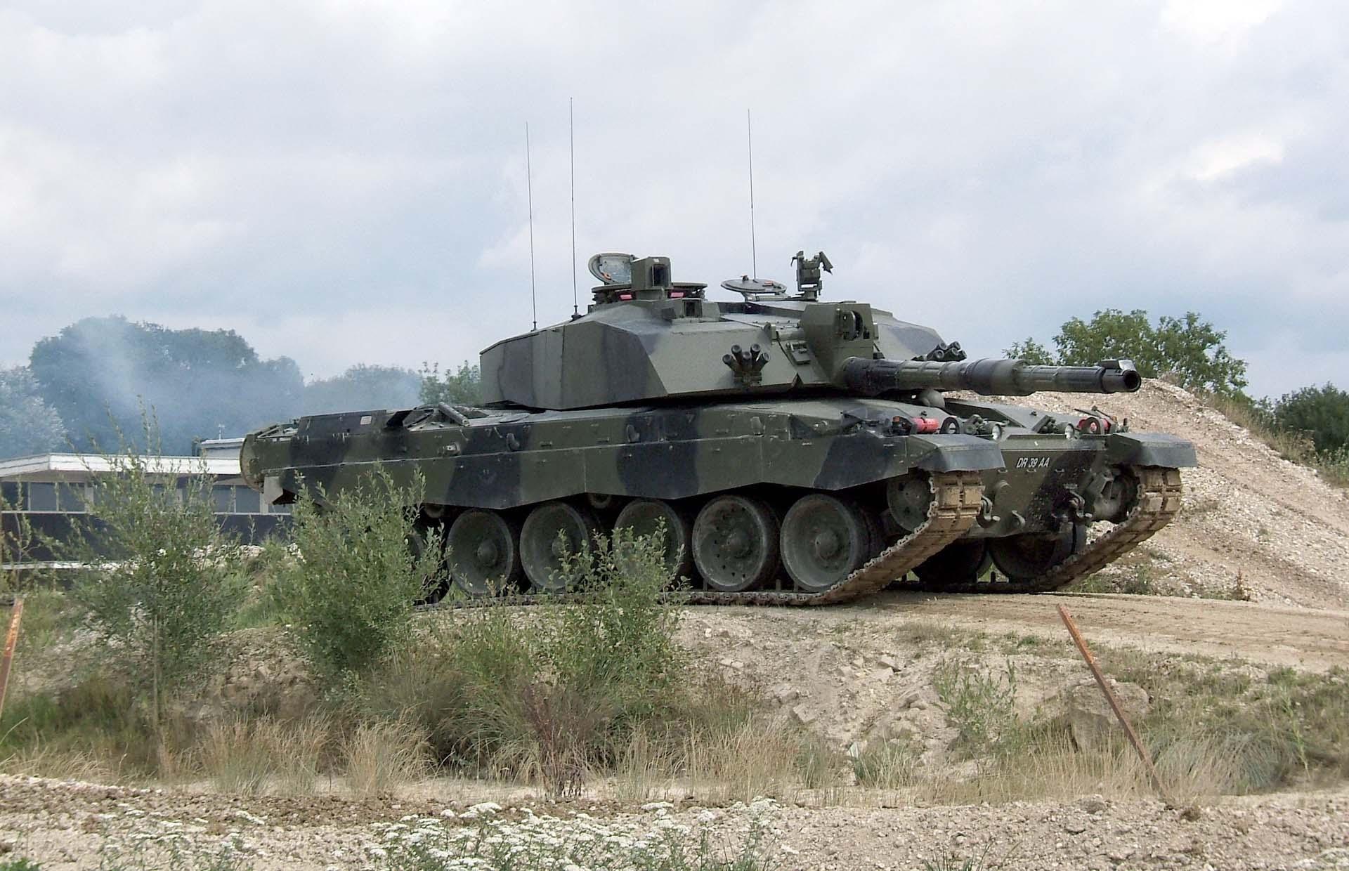Современный танк Челенджер 2