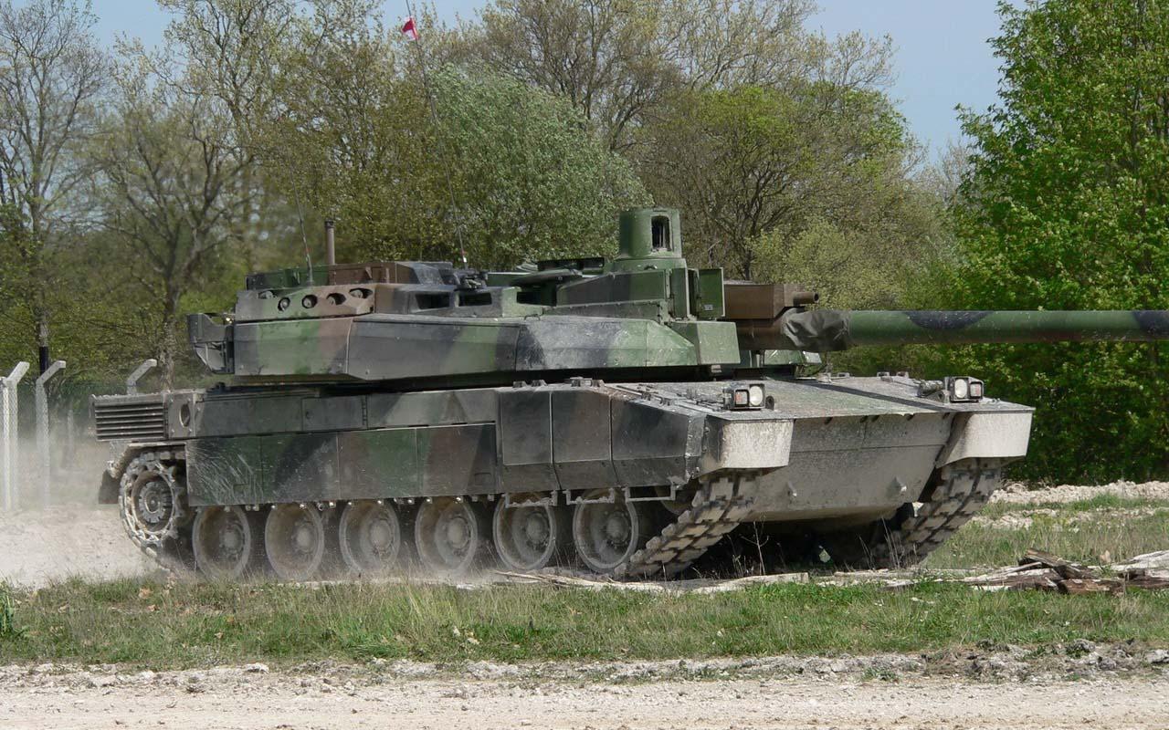Современный танк Франции Леклерк