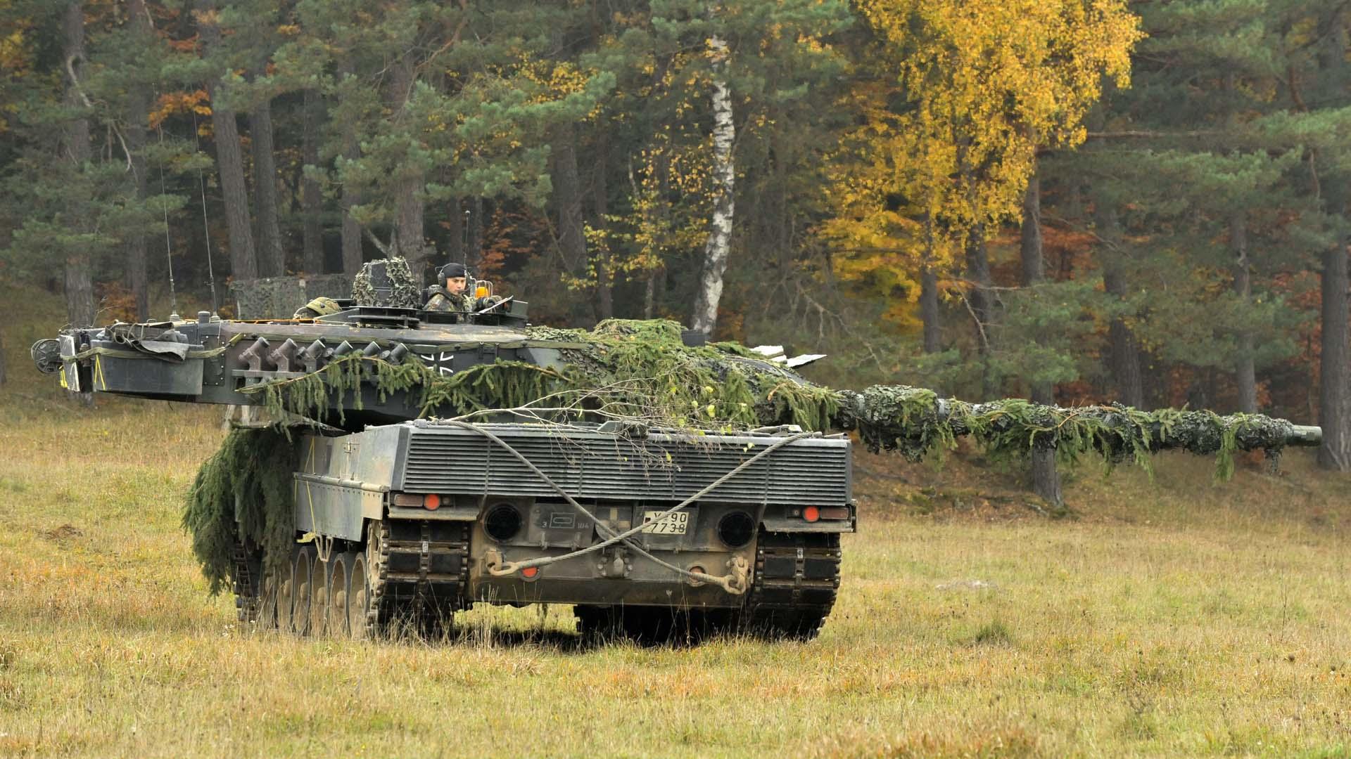 Cовременный танк Германии Леопард 2