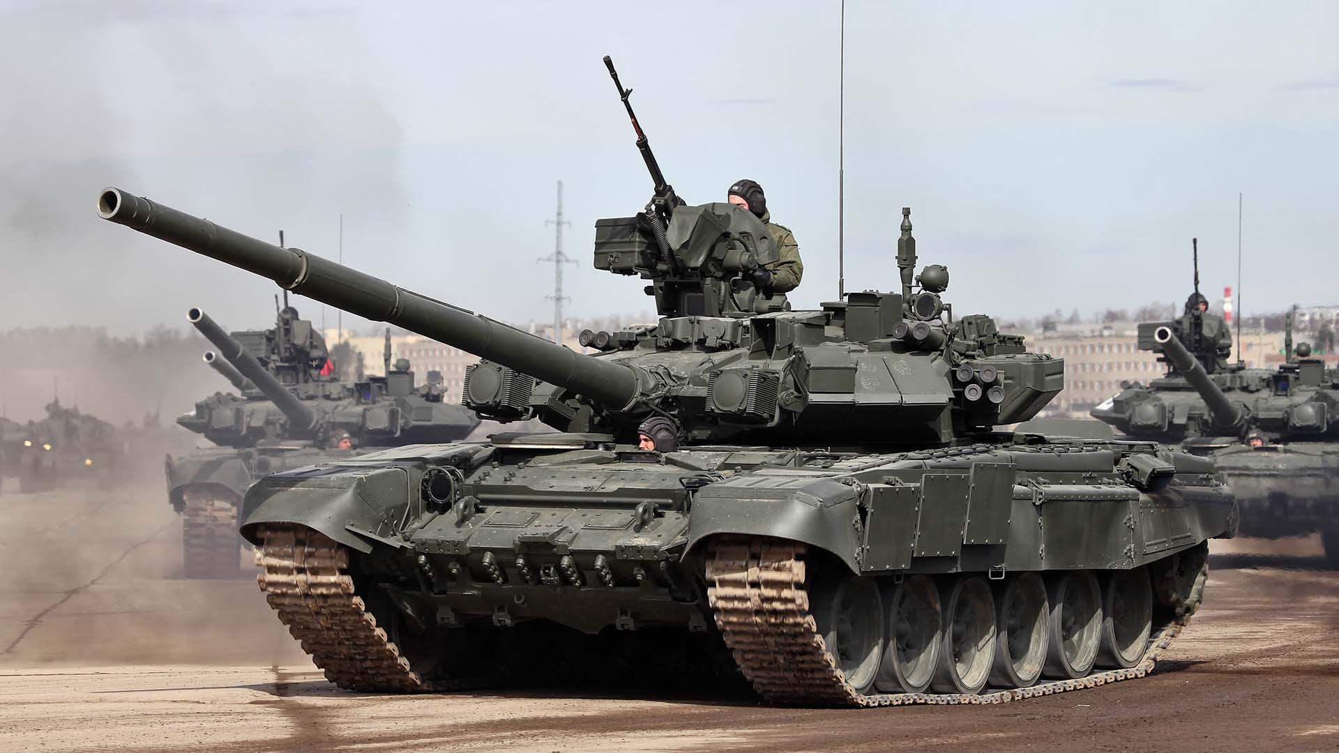 Современный танк Т-90