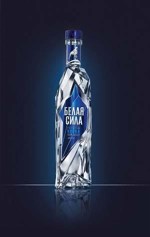 Красивая фигурная бутылка