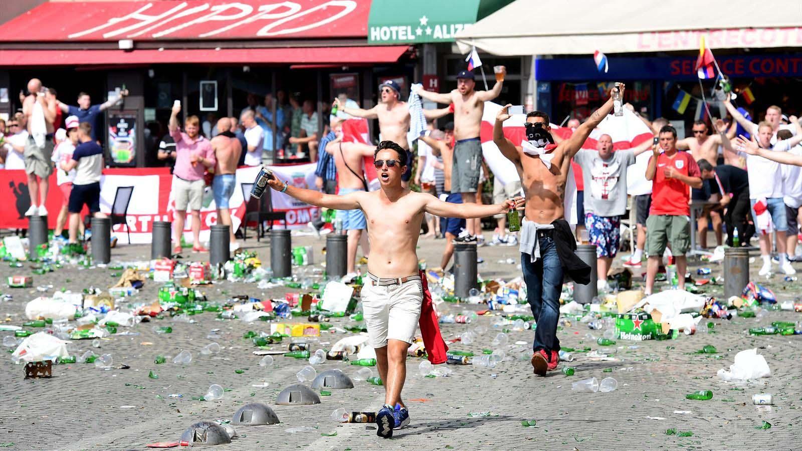Разборки фанатов в Марселе анлия россия