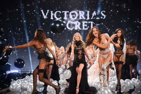 ангелы Victoria's Secret Fashion Show