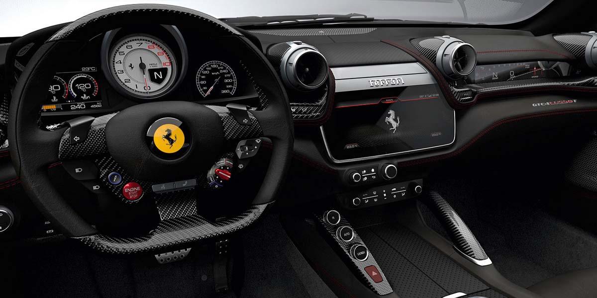 Салон суперкара Ferrari GTC4Lusso