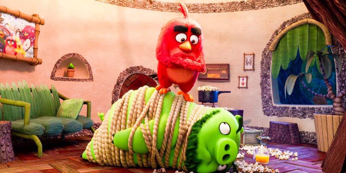 """Мультфильм """"Angry Birds в кино 2"""" (2019) - Русский отрывок Постер"""
